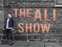 The Ali Show #5: Bajshistorier, nazister, dialekter och Niklas mammas relationsstatus Med Niklas Wedberg