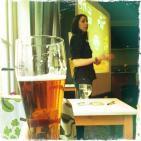 Pint of Science. Escuchando ciencia en el bar mientras te tomas una cerveza...con Xenia Villalobos. 184.LFDLC